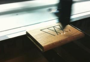 woodlink visitekaartjes houder portemonnee cardholder hout wood gift cadeau mannen engraving