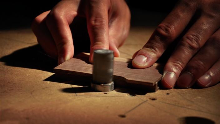 woodlink visitekaartjes houder portemonnee cardholder hout wood gift cadeau mannen craftmanship