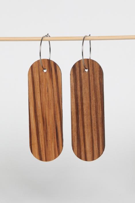 Woodlink oorbellen van duurzaam zebrano hout